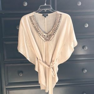 Embellished blouse, short sleeve with tie waist.